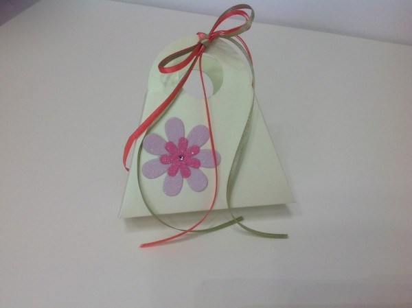 4d629e24ee Χειροποίητο τσαντάκι λαχανί με λουλούδι